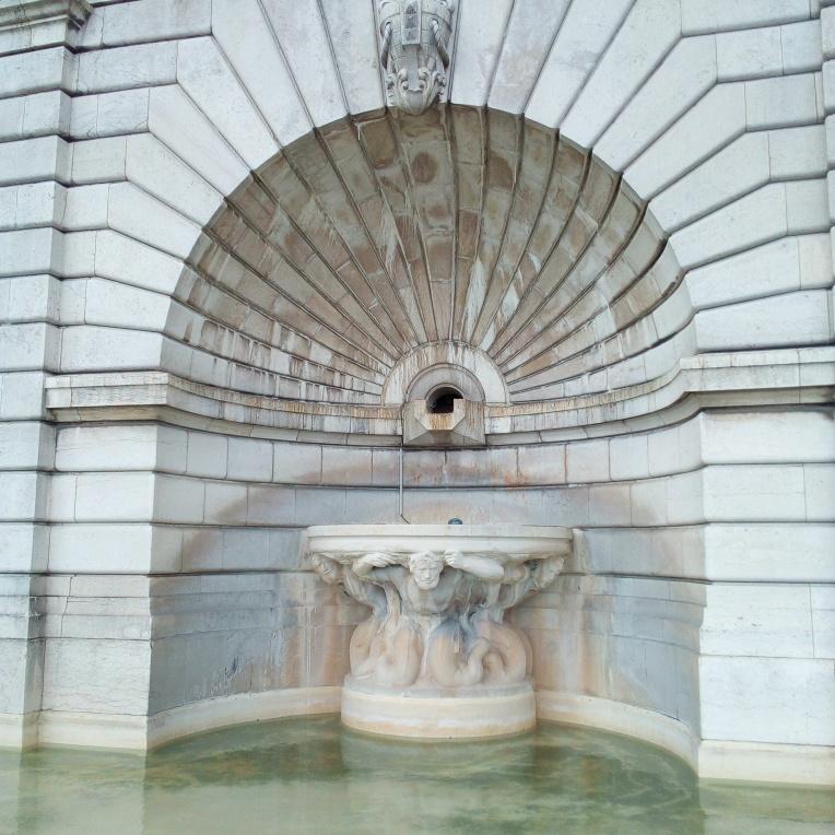 Fontaine du Sacré-Cœur Montmartre Paris