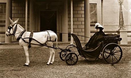 La Reine Victoria et son âne à Aix-les-Bains (73)
