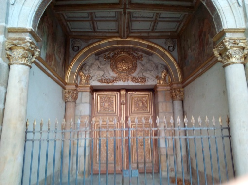Porte Dorée du Château de Fontainebleau