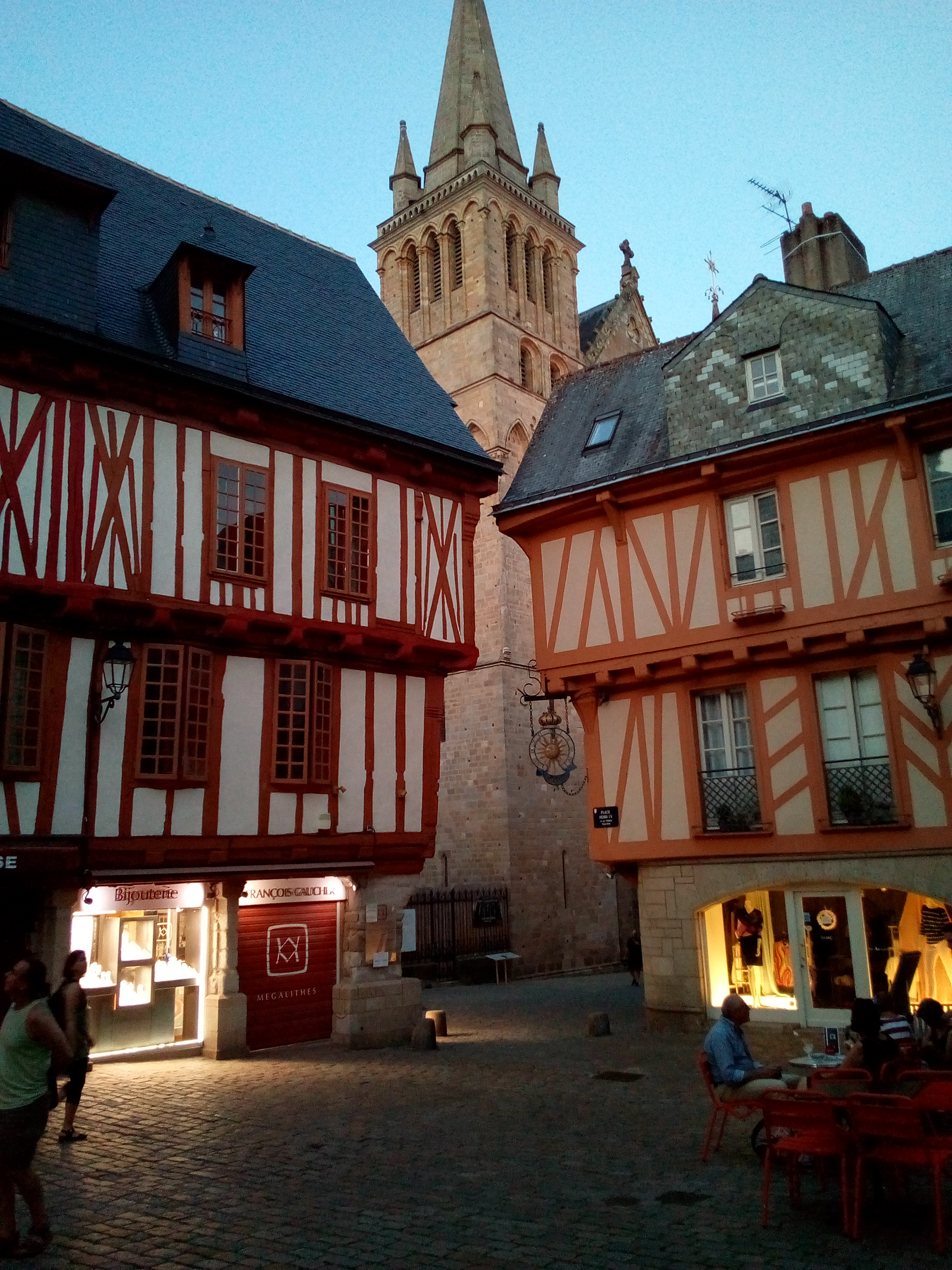 Vannes Place Henri IV