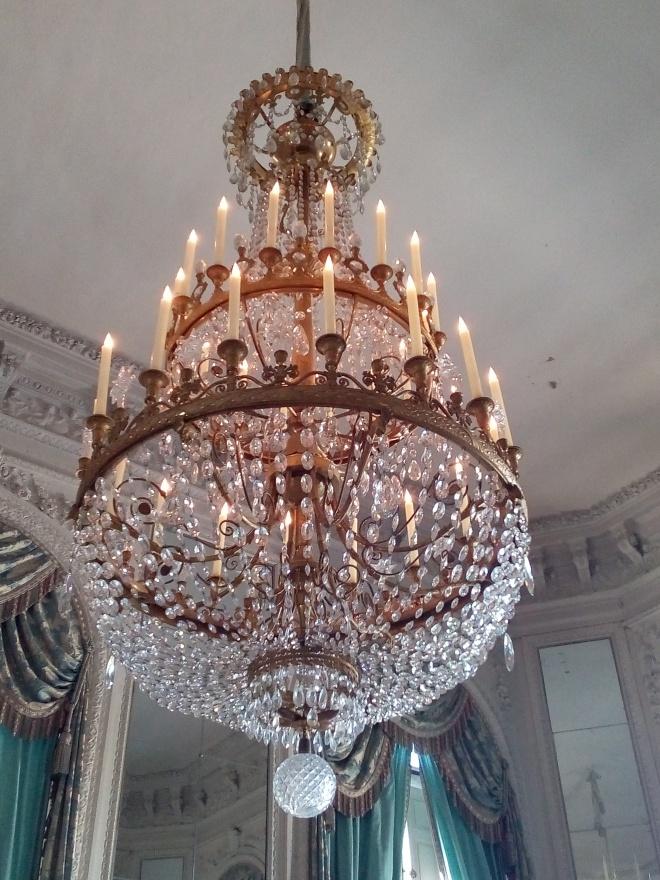 Grand Trianon, Salon des Glaces, lustre fleurdelisé