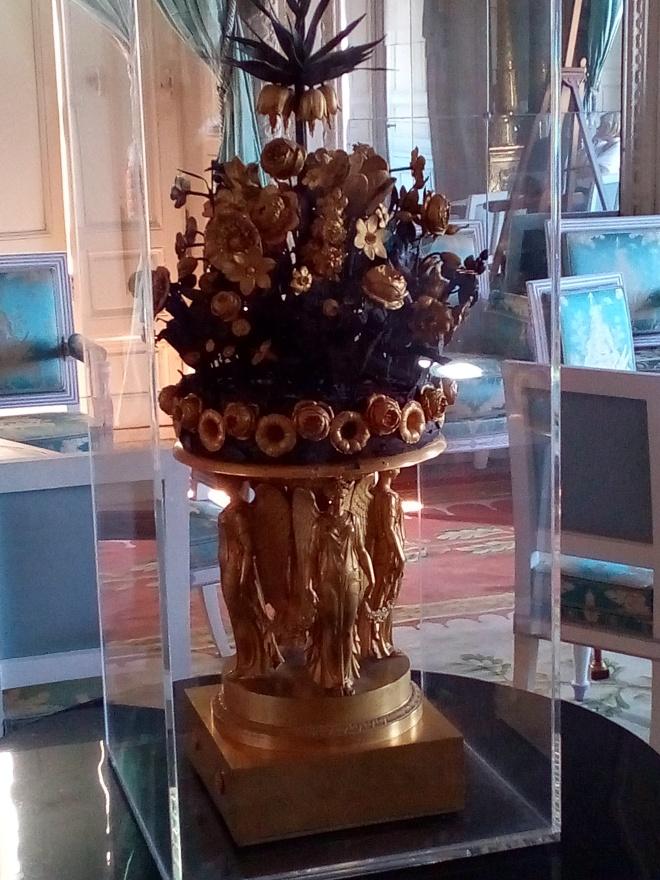 Grand Trianon, Salon des Glaces, horloge de bronze