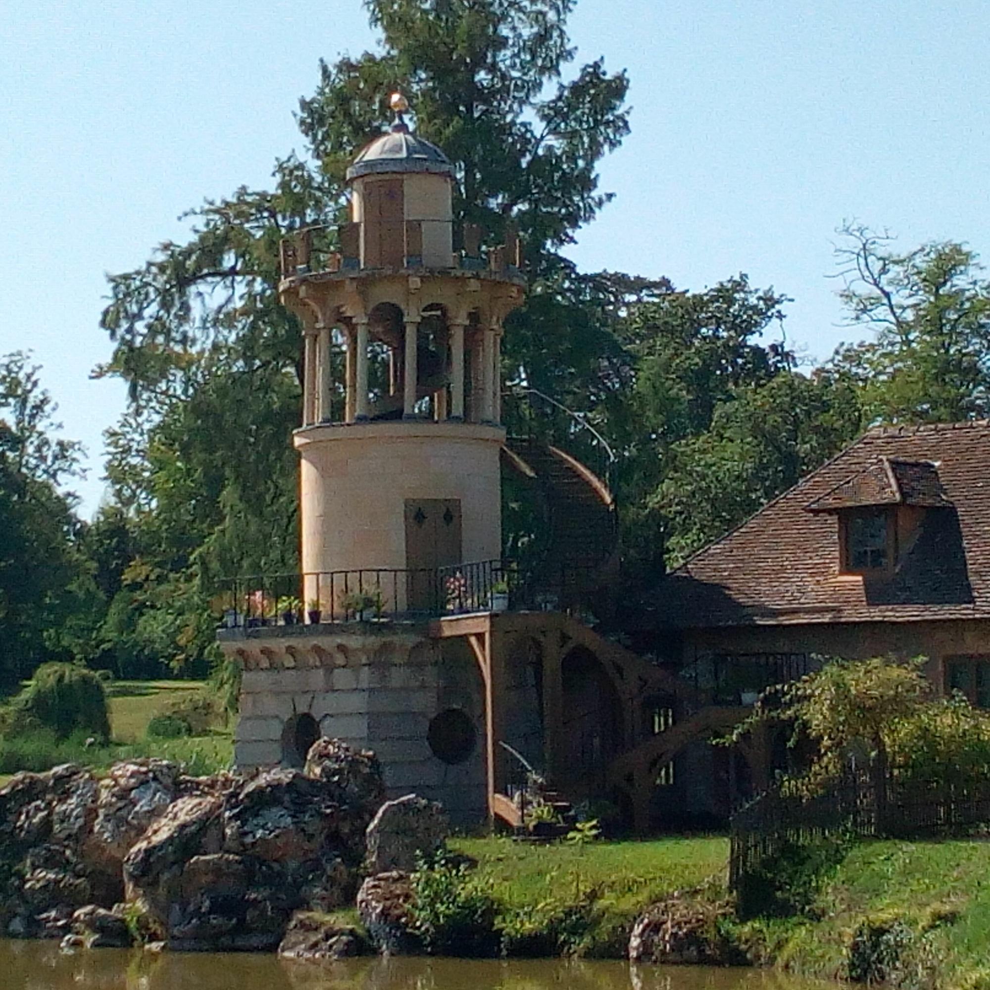 Le Hameau de la Reine, la tour de Marlborough