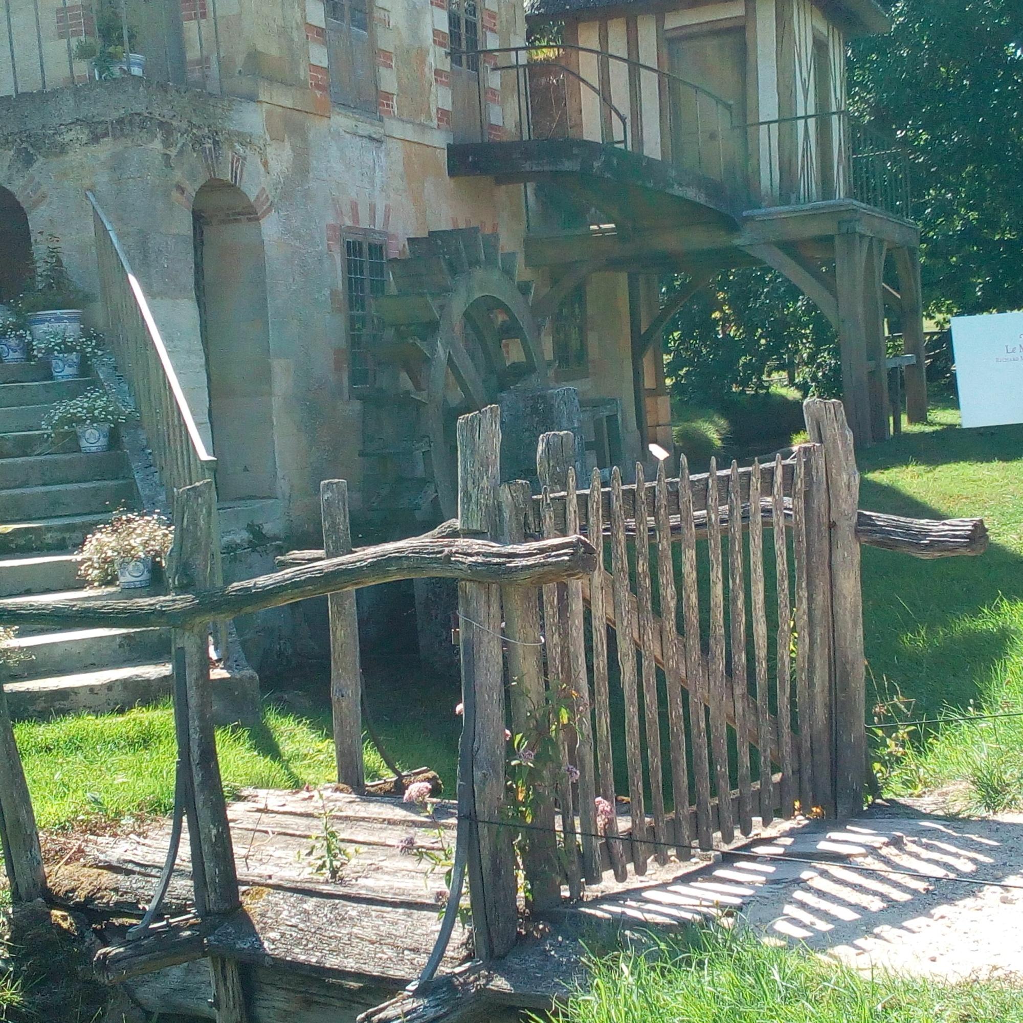 Le Hameau de la Reine le Moulin
