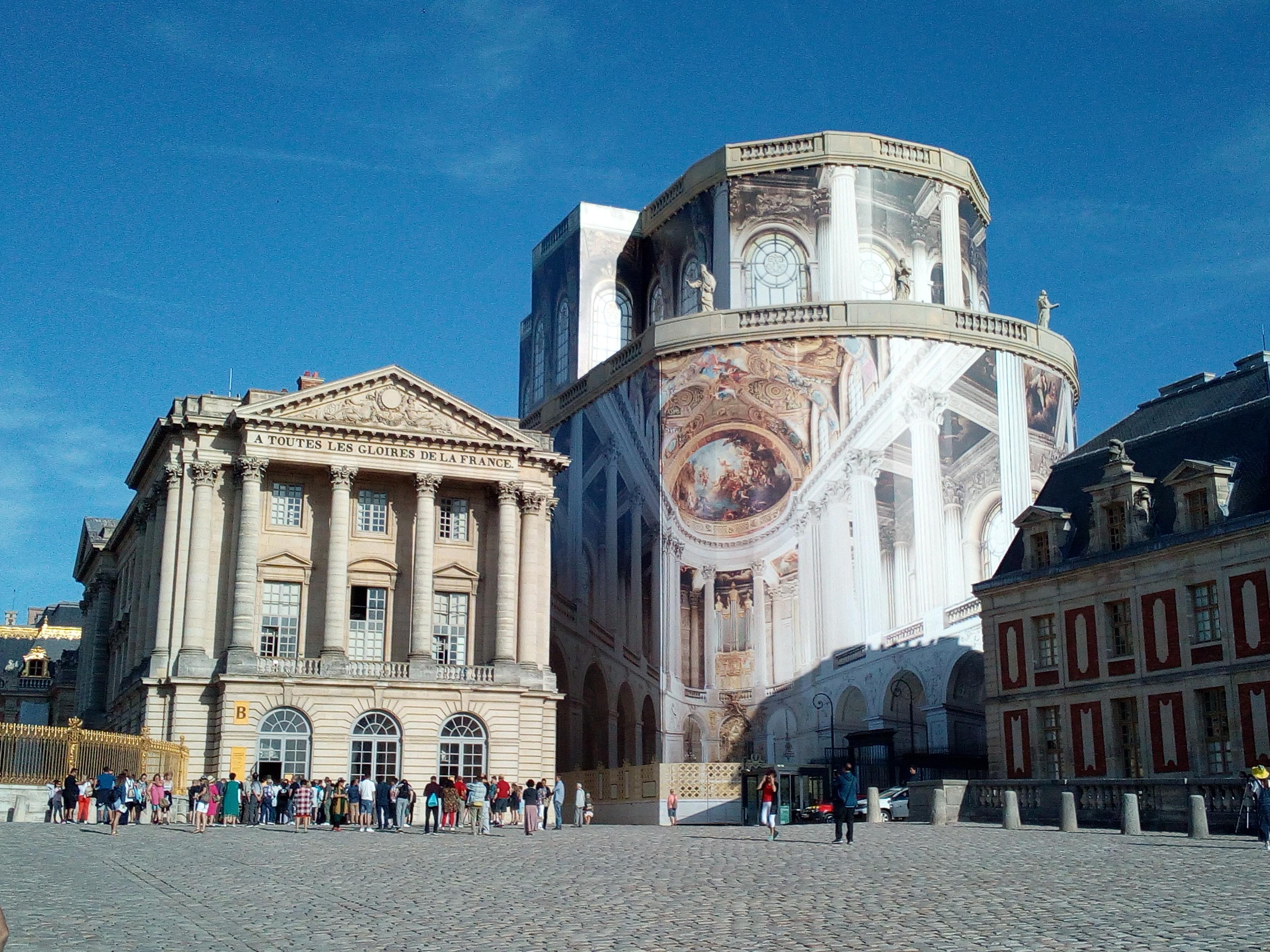 Accès château de Versailles par la Cour d'honneur 7