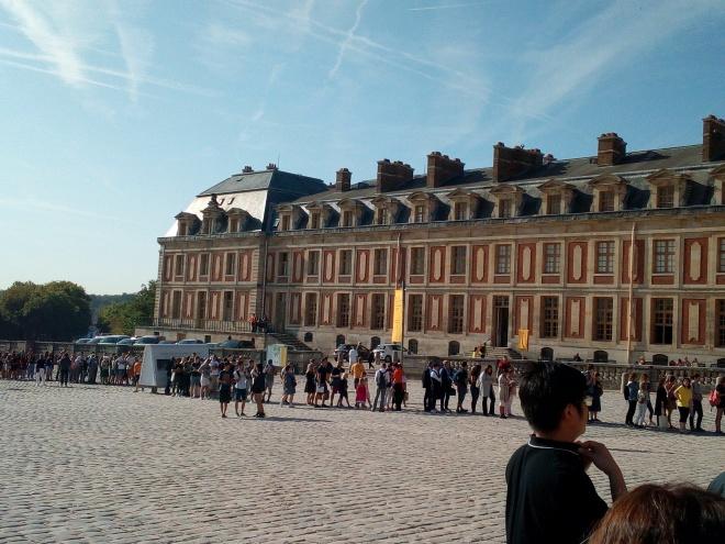 Accès château de Versailles par la Cour d'honneur 11