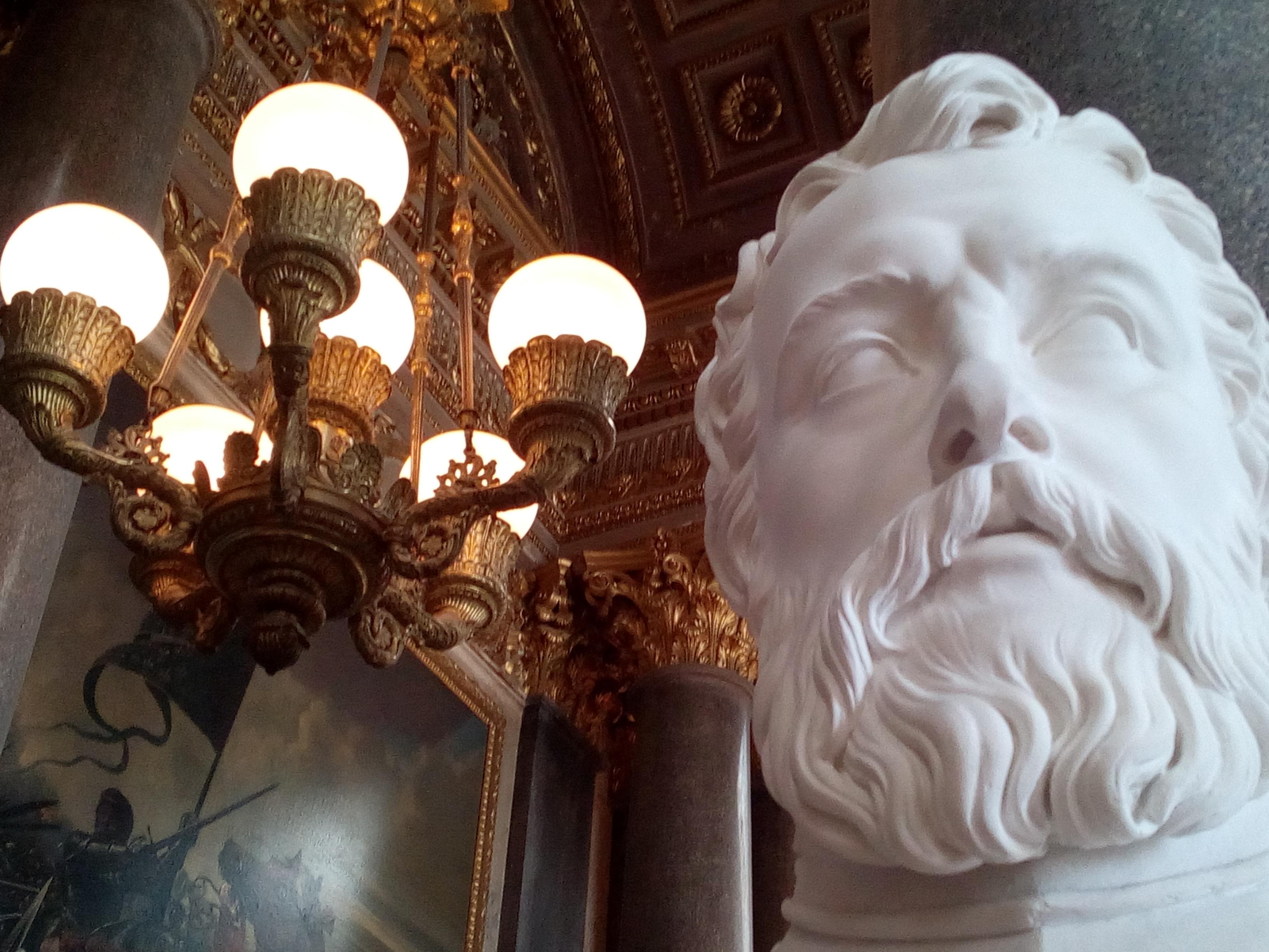 Galerie des Batailles du château de Versailles, Bataille de Castillon 1453 et buste de Pierre Strozzi