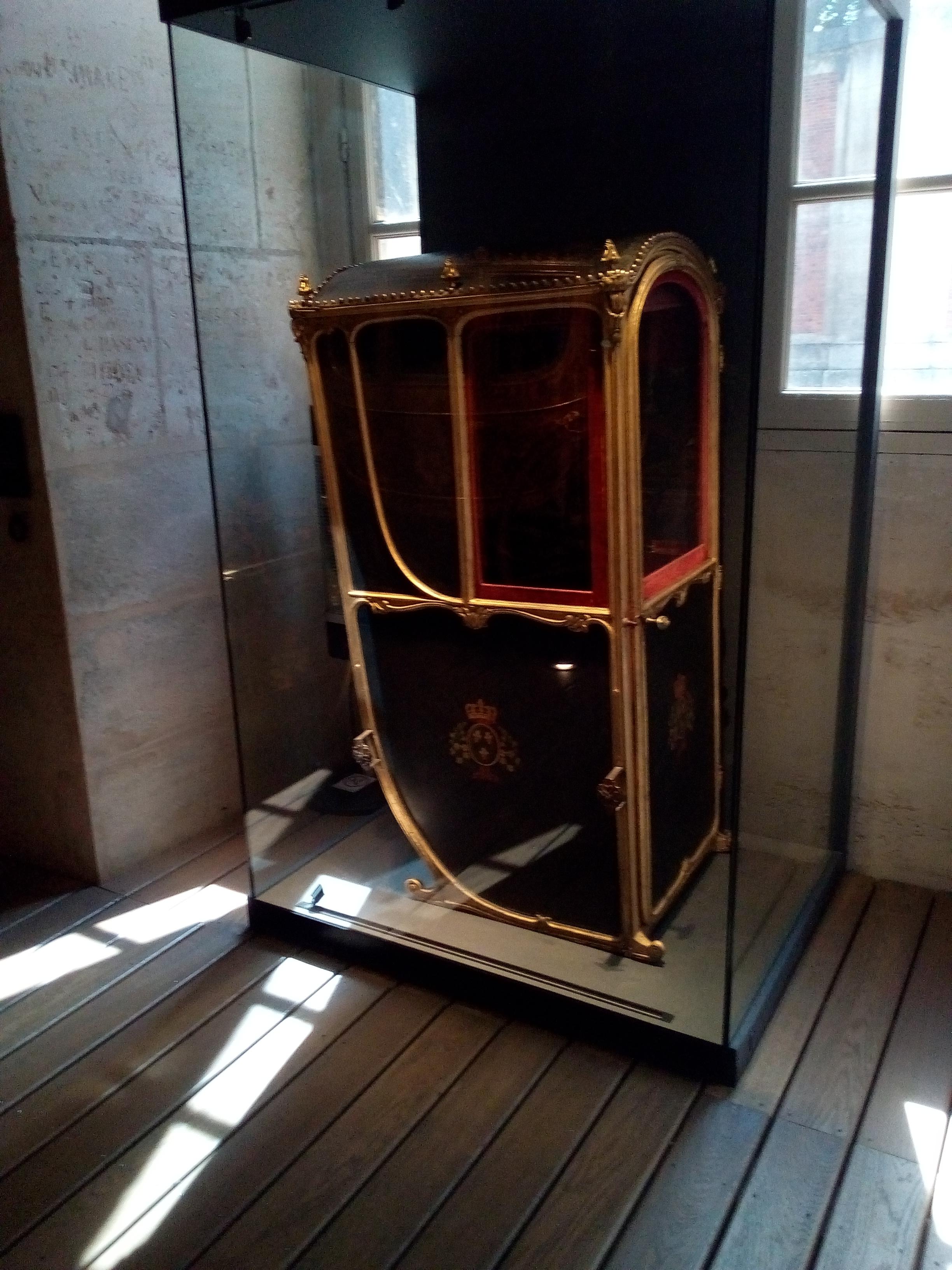 Galerie des Carrosses du château de Versailles, chaise à porteurs