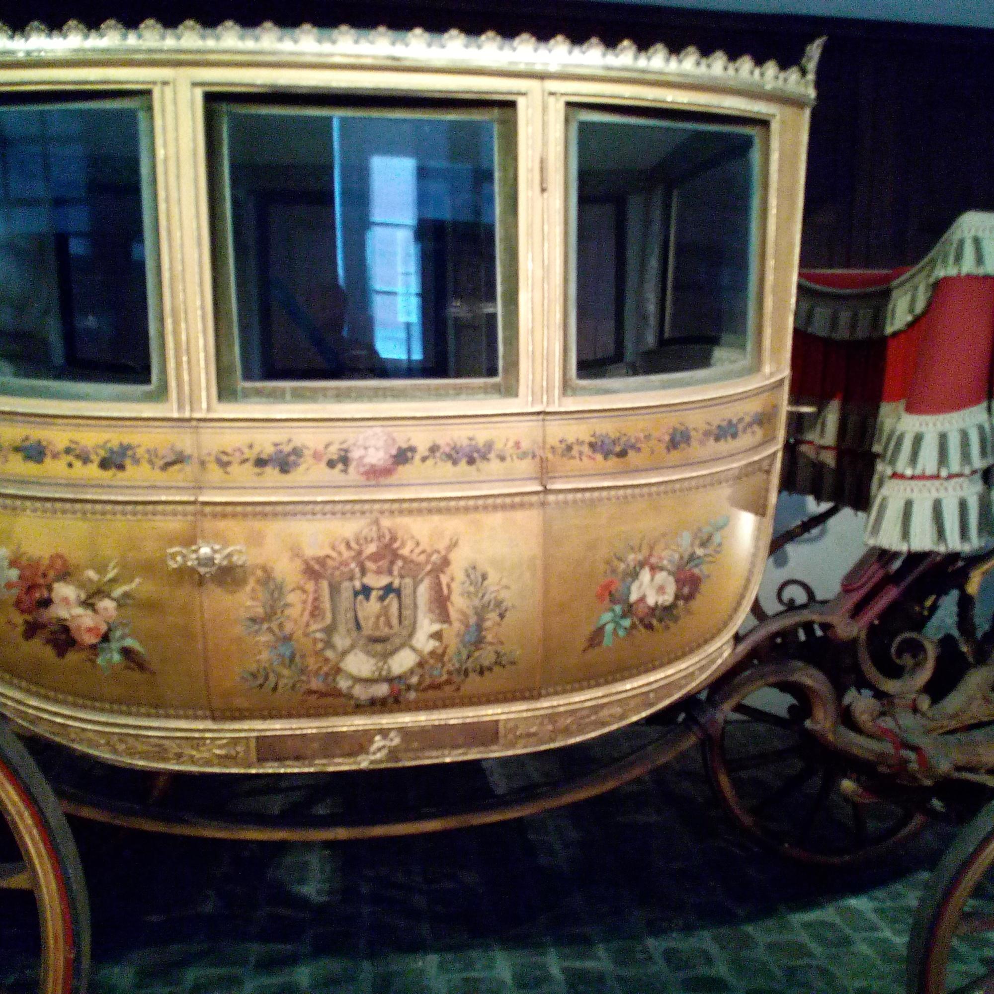 Galerie des Carrosses du château de Versailles, Victoire berline à sept glaces 1804