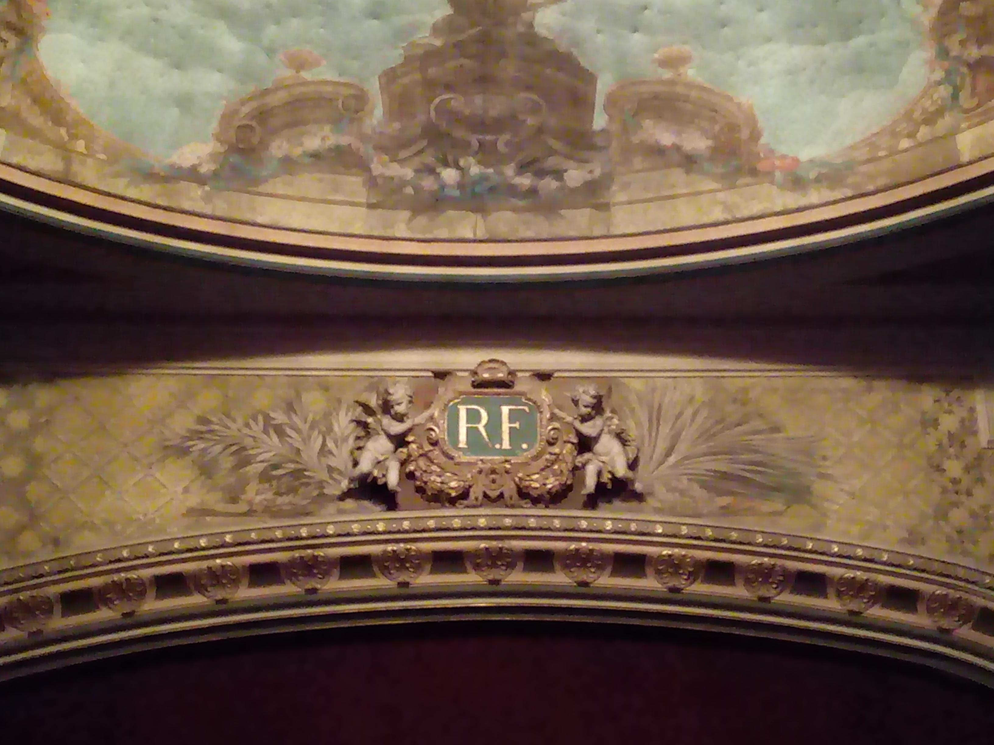 La Grande Petite Mireille au théâtre de Sens