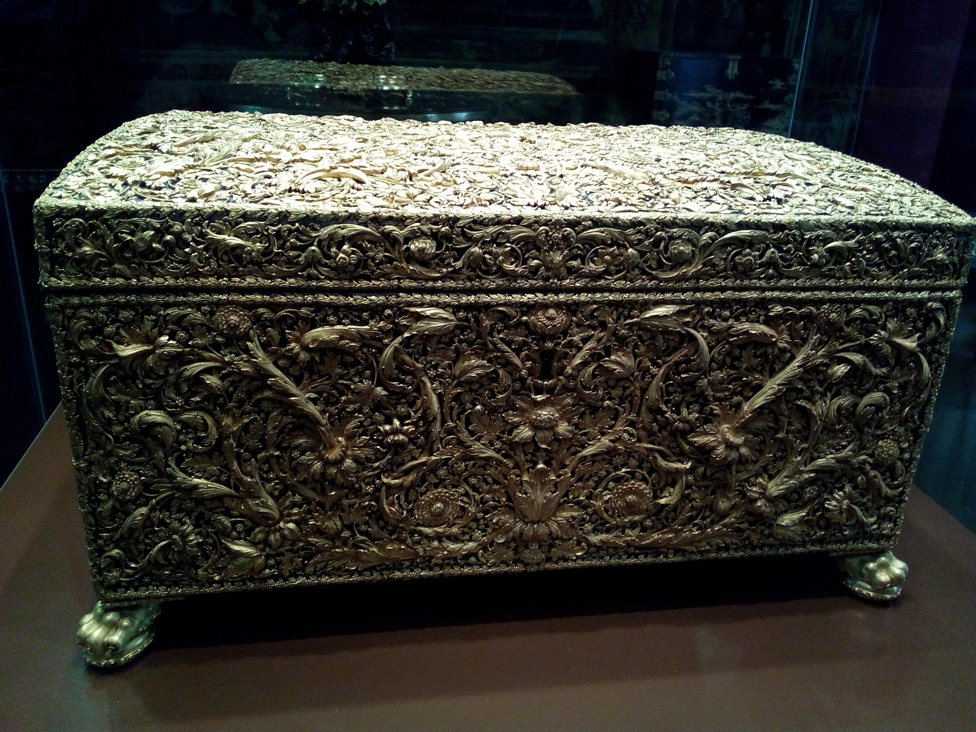 coffre de pierreries de Louis XIV Louvre
