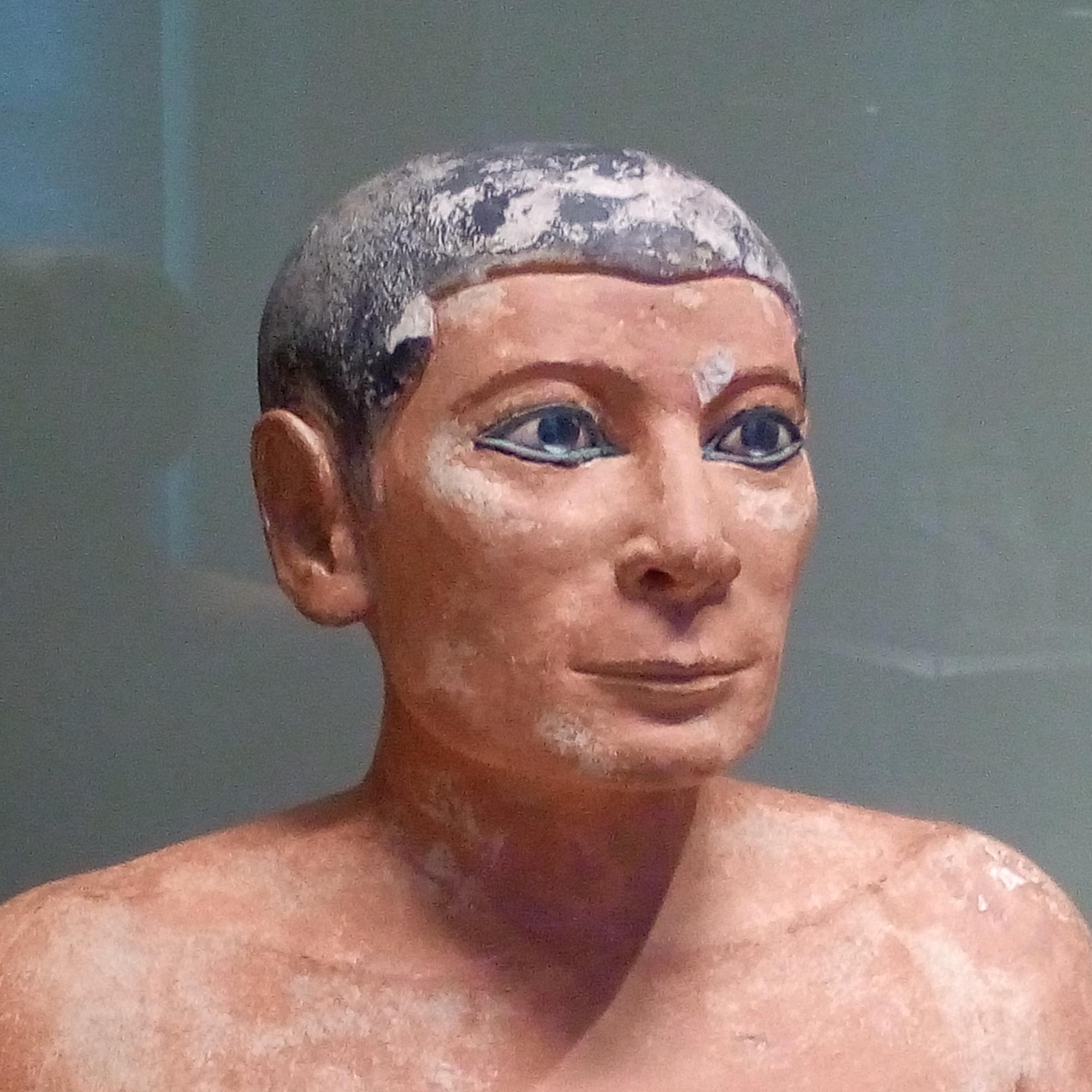 Le Scribe accroupi 4e ou 5e dynastie, 2600 - 2350 avant J.-C. trouvé à Saqqara musée Charles X Louvre