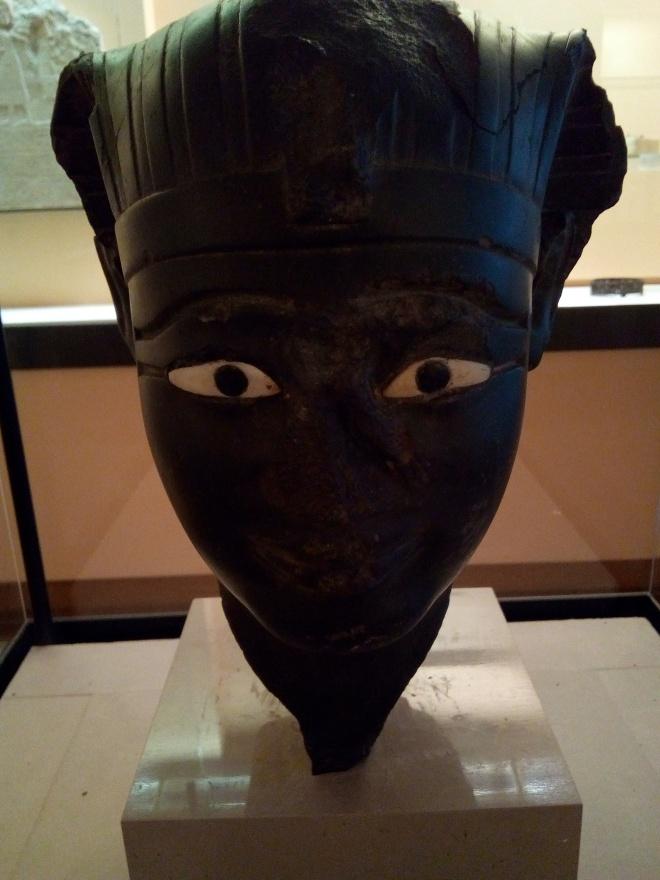Roi de la 11e ou 12e dynastie 2000-1900 av JC Louvre salles Charles X