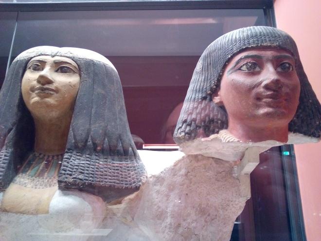 Sény(néfer), chef de bureau du roi et sa femme, Hatchepsout, musée Charles X Louvre